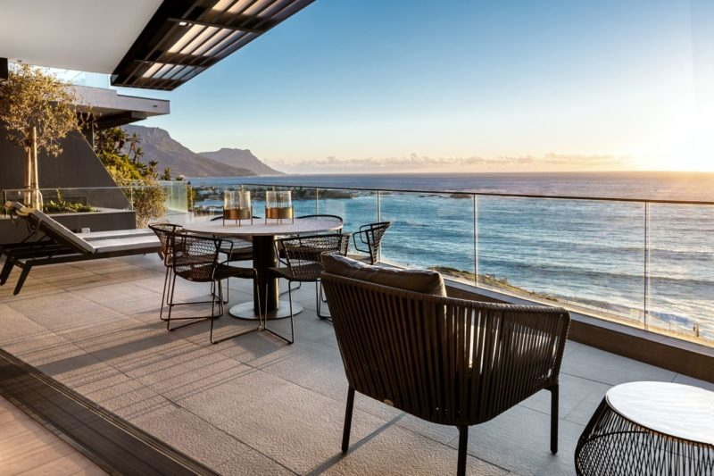 Living By The Ocean – A Gorgeous Apartment In Cape Town
