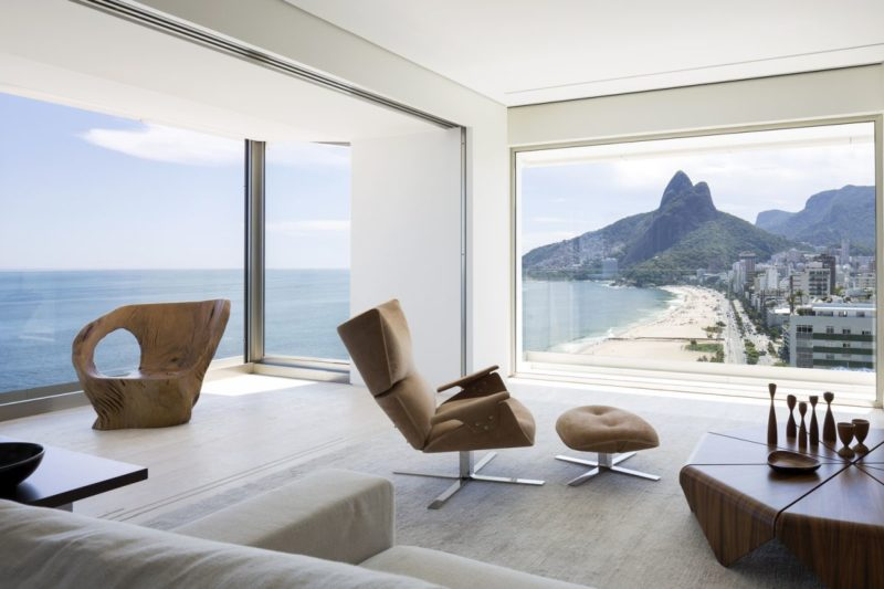 Modern Apartment in Brazil With 360 Degree Views