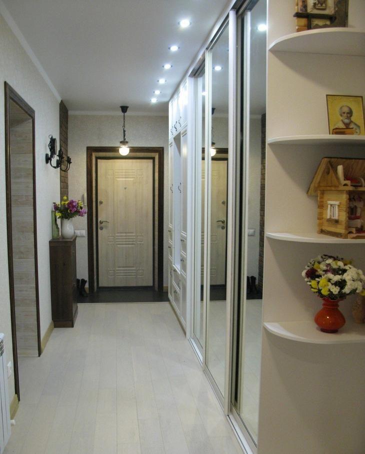 Встроенные шкафы под мансарду фото ему